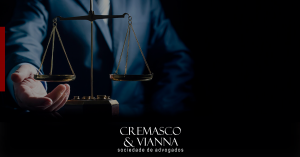 Mantida condenação por dano moral contra advogado acusado de prejudicar clientes